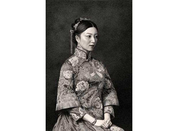 Li-Jingfeng-A-Woman-In-A-Phoenix-Robe.jpg