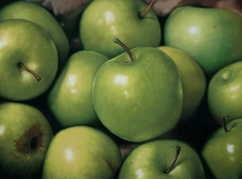 Rawling-Ian-Twelve-Green-Apples.jpg